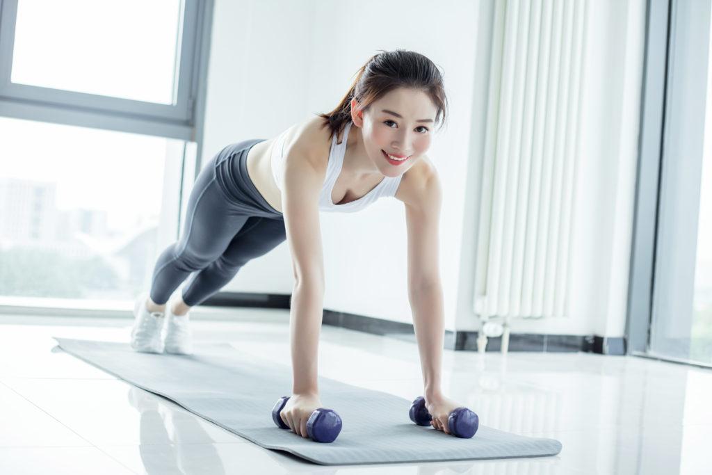 二の腕を細くするダイエットに効果的な脂肪引き締め効果のある筋肉 トレーニングメニュー