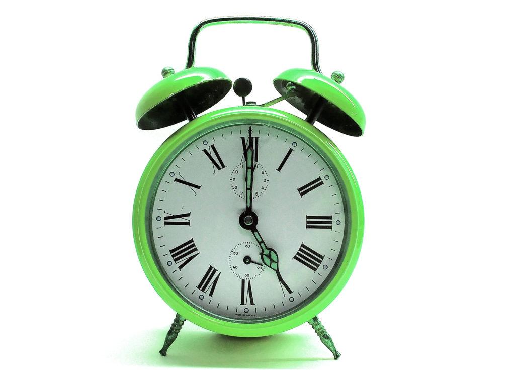 自宅での筋トレのベストは何分?効果的な時間帯